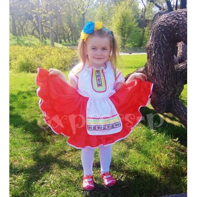 Костюм для девочки с украинским орнаментом.